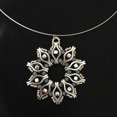 Wire Jewelry, Pendant Jewelry, Jewelry Crafts, Beaded Jewelry, Handmade Jewelry, Beaded Necklace, Unique Jewelry, Super Duo Beads, Twin Beads