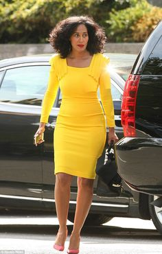 Tracee Ellis Ross and that dress i need a yellow dress Tracee Ellis Ross, Celebs, Celebrities, Beautiful Black Women, Her Style, Dress To Impress, Love Fashion, Celebrity Style, Cute Outfits