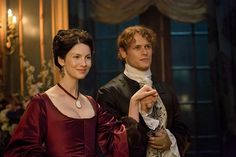 """'Outlander': How to Watch Season 2 Premiere Before It Airs on Starz - Starz will give subscribers an exclusive sneak peak of """"Outlander"""" season 2 two days before its official premiere on April 9"""