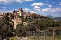 Oggi come allora: la pioggia! #Perugia #Corciano #Umbria #borghi Leggete il post su Glob-Arts: http://glob-arts.blogspot.it/2014/04/Perugia-UCI-Corciano-gita-Umbria.html #Chenepensate?