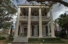 Picture Archives - Album 619 (Galveston, Texas, March - Photo 14 (Charles Hurley house in Greek revival style at 1328 Ball Street in East End Historic District. Greek Revival Architecture, Vintage Architecture, Classical Architecture, Southern Architecture, Old Southern Homes, Southern Living, Greek Revival Home, Victorian Interiors, Victorian Houses