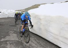 Ryder Hesjedal (Garmin Sharp) leads on the Gavia - #Stage16 #GirodItalia #Giro2014 #Gavia #Stelvio #Bormio #ValMartello #RobertBettini #Sirotti