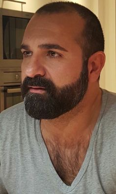 Beard Oil or Beard Balm? The Differences & Why You Need Both Great Beards, Awesome Beards, Beard Styles For Men, Hair And Beard Styles, Sr Pelo, Handsome Faces, Men Handsome, Scruffy Men, Beard Balm