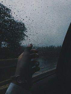 Rainy Mood, Rainy Weather, Rainy Days, Sad Girl Photography, Rain Photography, I Love Rain, Sad Love, Tumblr Love, Tumblr Rain