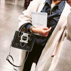 FREE SHIPPING WORLDWIDE. Discover the latest in women's fashion New Arrivals online. Shop for Shoes. Clothing. Bags. Accessories and Limited Edition. JESSICABUURMAN brings you the best runway fashion New Arrivals online.