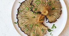 Δείτε τώρα τη συνταγή για Μανιτάρια Πλευρώτους Ψητά και εντυπωσιάστε τους όλους. Δοκιμασμένη συνταγή με όλα τα βήματα αναλυτικά! Greek Recipes, Light Recipes, Greek Beauty, Stuffed Mushrooms, Stuffed Peppers, Always Hungry, Yams, Couscous, Sweet Home