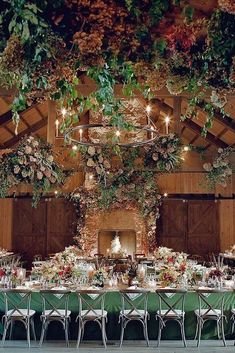 Creative Ways To Decorate Barn Wedding ★ barn wedding reception with greenery and green tablecloth josevilla Indoor Wedding Receptions, Wedding Venues, Barn Weddings, Country Style Wedding, Rustic Wedding, Elegant Wedding, Green Tablecloth, Barn Wedding Decorations, Strictly Weddings