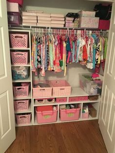 5 Kids Closet Organization Diy Small 39 Source by jennlmcgrath Girls Closet Organization, Diy Organization, Organize Kids Closets, Organizing Kids Clothes, Organization Ideas For Bedrooms, Kid Closet, Baby Girl Closet, Closet Ideas, Closet Small