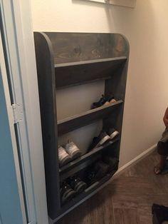 shoe storage DIY Schuhregal Ideen mit kleinem Budget If You Don't Have E Shoe Storage Diy, Hanging Shoe Storage, Hanging Shoes, Hanging Closet, Food Storage, Coat Closet Organization, Shoe Organizer, Closet Storage, Storage Shelves