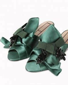 d2fb00921451 Low sandals with double-bow detail
