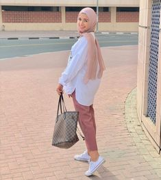 In this trend of 'modesty is the new trend' our Hijab collection slays them all. Hijab f Modern Hijab Fashion, Hijab Fashion Inspiration, Fashion Mode, Muslim Fashion, Fashion Outfits, Casual Hijab Outfit, Hijab Chic, Casual Hijab Styles, Ootd Hijab