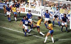 1982.  Copa do Mundo, Estádio Sarriá.   Brasil 2-3 Itália.   Foto: Ricardo Chaves/Acervo Abr