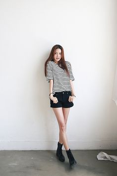 Shop for Loose Stripe Half Tee at Korean Fashion Store. Dedicated to bringing customers real Korean clothing imported directly from Korea. We are always adding new styles daily so come take a look at our store! Casual Chic Summer, Chic Summer Outfits, Women's Summer Fashion, Stylish Outfits, New Fashion, Fashion Outfits, Japanese Street Fashion, Asian Fashion, Fashion Forever