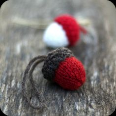 Knit Acorn Christmas Ornament, wish these were available in the UK, they're adorable