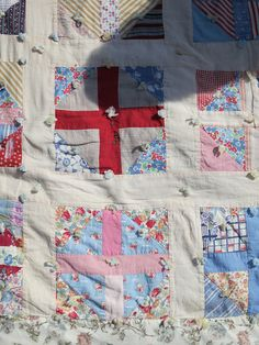 I asked a woman if I could take a pic of her quilt she was sitting on   Flickr - Photo Sharing!