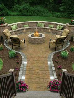 really like the curved seating...and that's easy to create