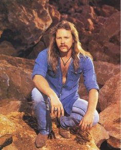 James Hetfield you look sooo hot in that shot! :-) A little moody and a hint of chest hair im happy