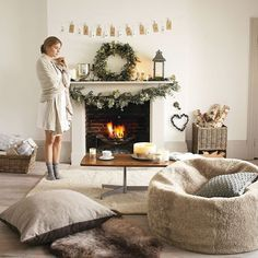 Decorating your mantel for the Holidays #homedecor #home #style