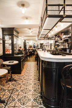 Design Bar Restaurant, French Coffee Shop, French Bistro, Pub Interior, Bar Interior Design, France Cafe, Pub Design, Parisian Cafe, Lounges