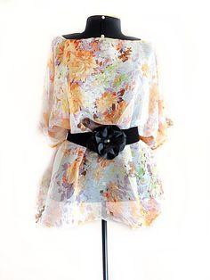 Blusa #plussize brilho e transparência discretos para só você brilhar.