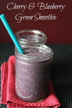 Cherry and blueberry green smoothie recipe 337 calories and 8 weight watchers points plus