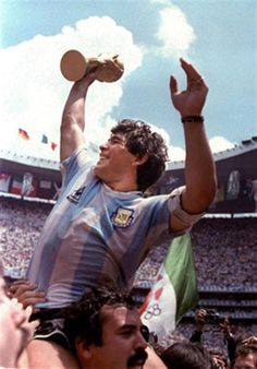 Diego Maradona has said that although Lionel Messi is a 'great lad', he does not come close to his World Cup-winning compatriot when it comes to playing the beautiful game. Good Soccer Players, Best Football Players, Football Is Life, National Football Teams, World Football, Football Soccer, Maradona Football, Mexico 86, Argentina Football