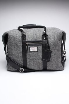 love this bag! It would make a perfect carry-on
