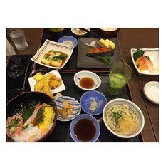 I love the restaurants here  Tokyo has the most Michelin star restaurants than any other city even Paris!  #Tokyo #japan #japanesefood #seafood #tempura #blackcod #udon #washoku #greentealatte #matcha #dinner #whatiate #foodporn #sashimi #chirashi #kaiseki #shinagawa #restaurants #eatingout #foodcritic by mademoisellevasilisa