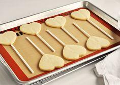 Perfect Sugar Cookie Pops via Sweetapolita Galletas Cookies, Cupcake Cookies, Heart Cookies, Cupcakes, Flower Cookies, Cookie Bouquet, Baby Cookies, Cookie Pops, Best Sugar Cookies