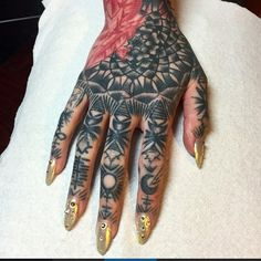 Women with hand tattoos are bold and unafraid to hold back and hide. Check out this awesome gallery of feminine hand tattoos. Rihanna Hand Tattoo, Tribal Hand Tattoos, Back Of Hand, Wiccan Tattoos, Artists And Models, Occult Art, Different Tattoos, Inked Magazine, Body Modifications