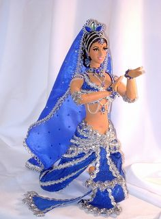 Barbie Gowns, Doll Clothes Barbie, Dress Up Dolls, Beautiful Dolls, Beautiful Dresses, Indian Dolls, Walt Disney, Barbie Princess, Barbie Dream