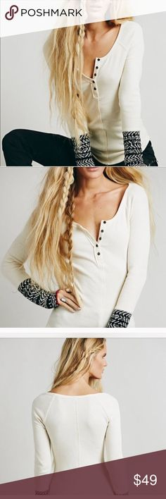 EUC ALPINE CUFF HENLEY This Free People Henley is so Cute, Comfortable, and kind of sexy, last pic lighting a little dark, but it is more of a cream than a white, love💜💜💜💜💜🌸🌸🌸🌸🌸✌️ Free People Tops