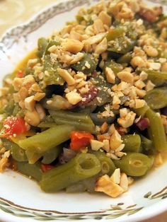 Italian Green Beans - Green beans are my faaaavorite veggie.  This will no doubt be my new holiday side dish.  See ya later green bean casserole; I'm growing up!
