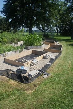 Six Roosters Farm: DIY Farm Project: Lawn Edging with Aluminum Gutter Flashing