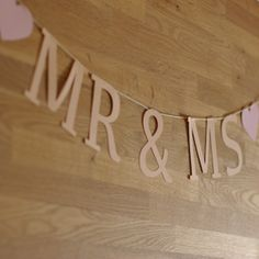 Felirat girland – Mr&Ms paper word garland – Mr&Ms Garland, Ms, Words, Paper, Projects, Furniture, Home Decor, Blue Prints, Decoration Home