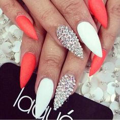 Oh my gosh coral nails are the shit! Oh my gosh coral nails are the shit! Get Nails, Dope Nails, Fabulous Nails, Gorgeous Nails, Stiletto Nail Art, Acrylic Nails, Pointy Nails, Coffin Nails, Coral Nails