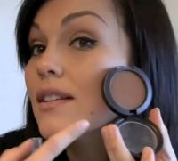 Face contouring get rid of red marks and make your face slimmer looking!!! LOVE THIS!! I love Kandee!