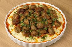 Misket Köfteli Patates Paçası Potatoes have never been so cool! On top of the potato trotter, which is a star in itself, we also put a meatball meatball, that unbearable flavor appeared! Turkish Recipes, Ethnic Recipes, Turkish Kitchen, Albondigas, Iftar, Mets, Meatball Recipes, Food And Drink, Cooking Recipes