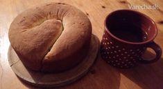 Väčšinu času trávim v Rakúsku a raz som si listovala jeden časopis a našla som tam koláč, ktorý Rakúšania nazývajú Kartnerský Reinling. Prečítala som si recept a povedala som si, že ho vyskúšam urobiť. Ingrediencie som mala doma a tak som koláč upiekla a podaril sa mi na prvýkrát. Mne aj manželovi veľmi chutil.  Koláč je vhodný na raňajky s čajom alebo kávou - aspoň mne táto kombinácia chutí.