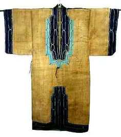 Japan, exceptionally rare Ainu jacket. It is made of 'attush', bark of 'ohyou', and exotic 'kiribuse' (patchwork) are added in the back and hems. Its design is one of very typical Ainu jacket. It seems to be from Meiji period (1868-1912). Front view