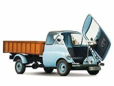 Ever wanted an Isetta pickup truck because it exists ? Bmw Isetta, Microcar, Classic Trucks, Classic Cars, Vintage Cars, Antique Cars, Engin, Weird Cars, Cute Cars