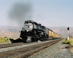 Union Pacific. Steam 4-6-6-4  King Hill, Idaho, USA  September 26, 2005 Locomotive No.  UP 3985