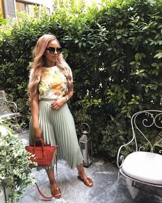 Casual Work Outfits, Classy Outfits, Trendy Outfits, Cool Outfits, Summer Outfits Modest Classy, Modest Fashion, Skirt Fashion, Fashion Outfits, Black Women Fashion