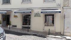 Boa tarde! Procura instrumentos musicais e seus acessórios? Venha ao Salão Musical de Lisboa, na Rua da Oliveira ao Carmo 2 (ao Largo do Carmo) em Lisboa ou consulte o nosso site www.salaomusical.com