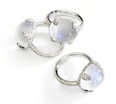 Pomellato Caramelle ring in platinum and diamonds with Moonstone Moonstone Jewelry, Gems Jewelry, Gemstone Jewelry, Jewelry Box, Silver Jewelry, Jewelry Accessories, Fine Jewelry, Jewelry Design, Jewellery