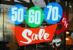 boutique sale window - great look, eye catching for sale windows.
