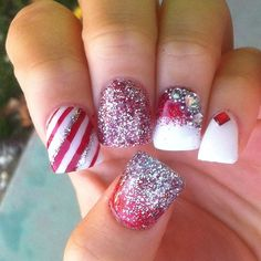 christmas nails. do them all like the thumb and pinky