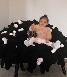 Travis Scott Gives Kylie and Stormi Stuffed Animal Chair Kris Jenner, Jenner Kids, Jenner Family, Kendall Jenner, Rapper Travis Scott, Kylie Travis, Cute Baby Girl, Cute Babies, Kylie Kenner