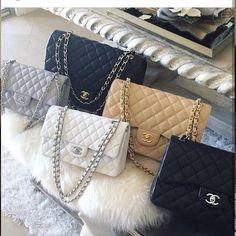 Seu sonho de consumo!!! Você encontra na @azonma_ !! Há mais de 8 no mercado de luxo. Atendimento diferenciado !!! WhatsApp (31) 99739 7938 - Envio para todo o Brasil e Exterior - Sigam @azonma_ @azonma_ @azonma_