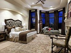 Spacious and elegant master bedroom; or a studio apartment, who knows! It's big enough for either